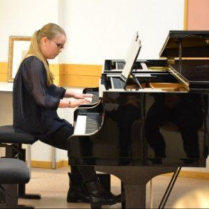 Pianistien konsertit
