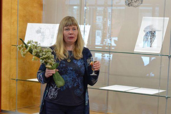 kuvanveistäjä Kirsi Kaulanen.