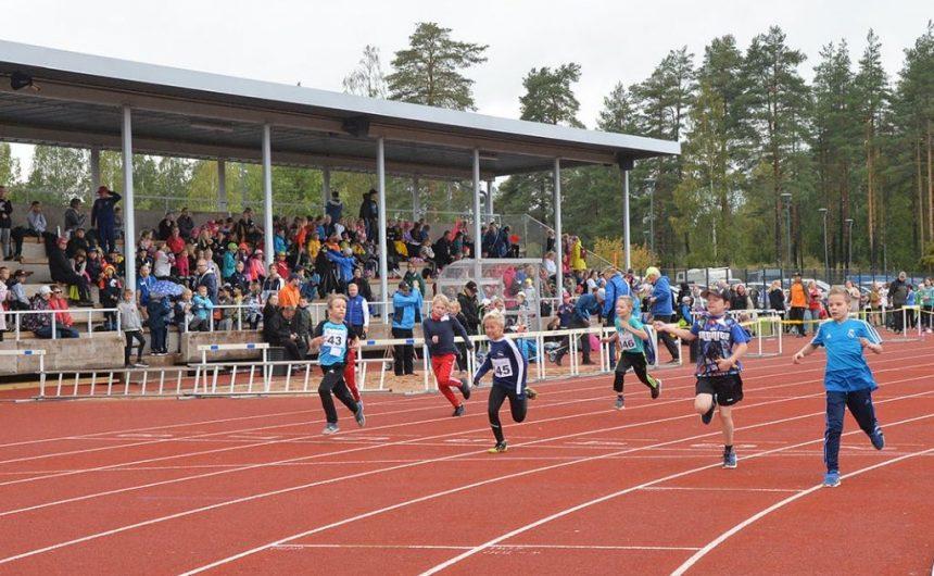 Koulujen väliset yleisurheilukilpailut