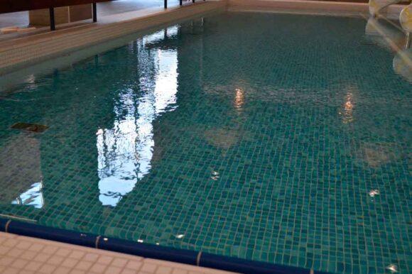 Uimahallin pikkuallas