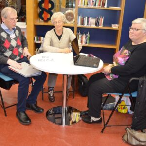 Digitukea seniori-ikäisille kirjastossa