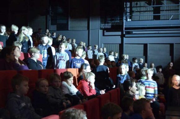 konserttiyleisössä paljon lapsia