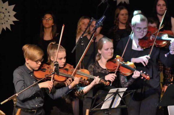 viulisteja soittamassa