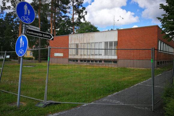 Aarholli-rakennus puretaan elokuun aikana – otathan huomioon keskustassa liikkuessa