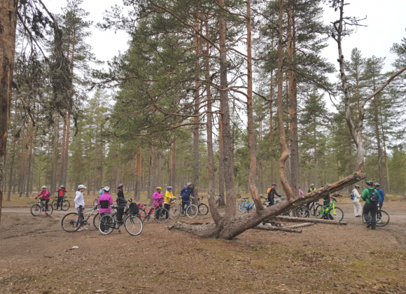 Työpajoissa Geoparkin paikallishistoria talteen ja tarinoiksi pyöräilyreittien varrelle
